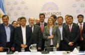 """Gobernadores y legisladores peronistas manifestaron necesidad de """"automatizar"""" transferencia de recursos"""