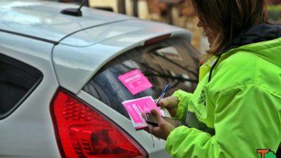 El Municipio lleva adelante operativos para controlar el estacionamiento medido y la situación con 'cuidacoches'
