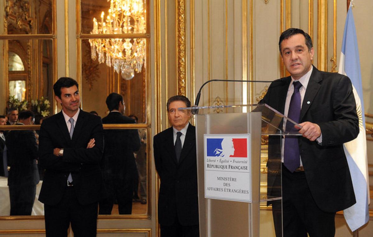 Finocchiaro promueve dictar francés en las escuelas primarias de la provincia