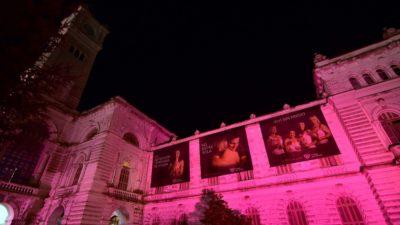 La Plata / El palacio municipal se visitó de rosa para conscientizar sobre el cáncer de mama