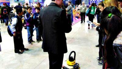 Estudiantes de una escuela bonaerense crearon una aspiradora robótica