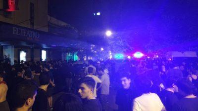 Increíble: en medio un recital de Carajo en La Plata arrojaron gas pimienta