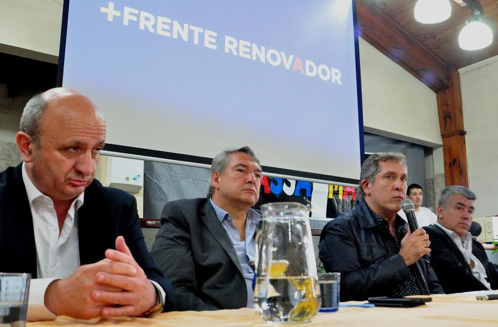 Balearon la casa del senador Pallares en Lanús y sospechan de un mensaje mafioso