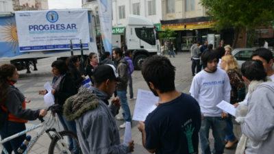 Jóvenes bonaerenses acampan en ANSES contra el recorte del PROGRESAR