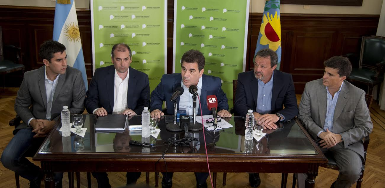 """Ritondo: """"Nosotros queremos un control civil de la Policía Bonaerense"""""""