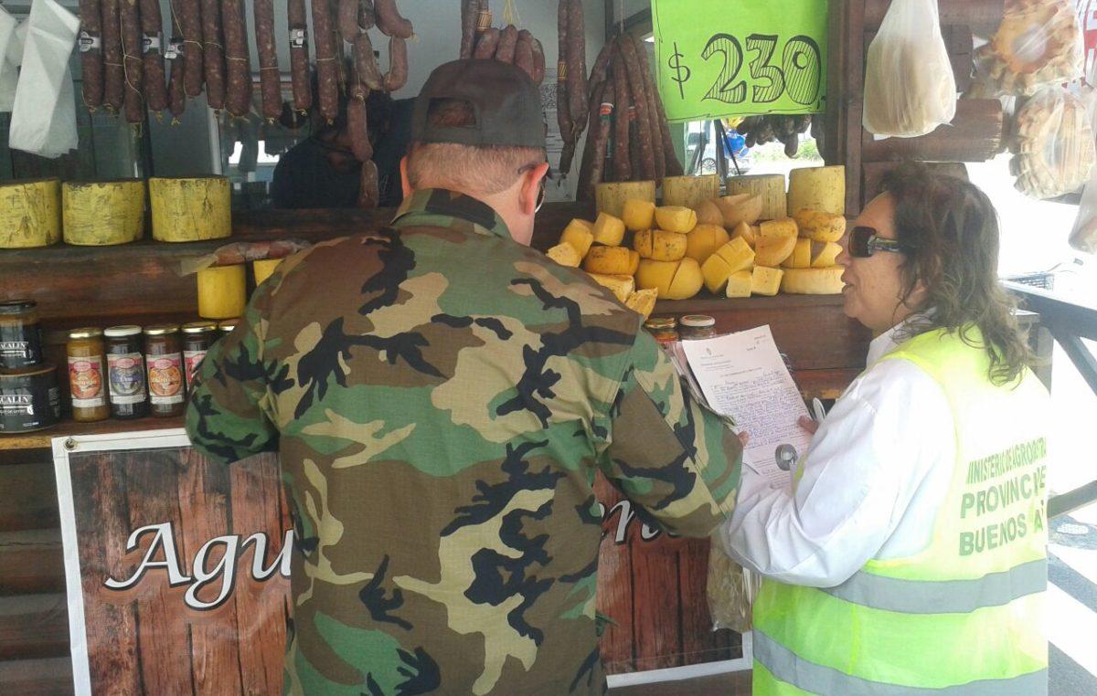 """Vidal lanzó un plan para evitar la """"venta de alimentos"""" en las banquinas de las rutas"""