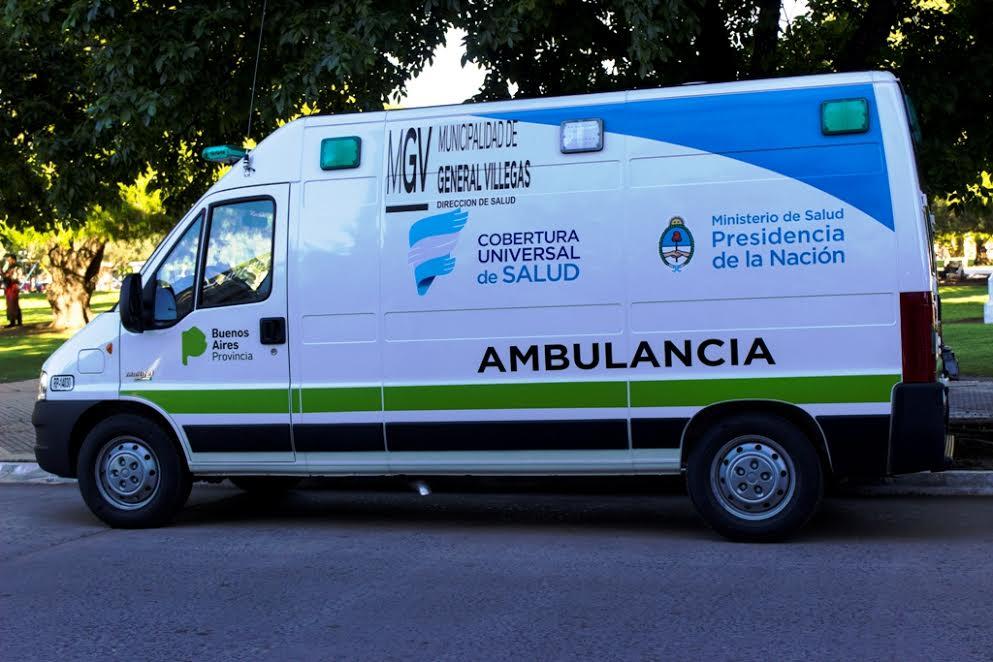 Villegas sumó una nueva ambulancia y un camión cisterna