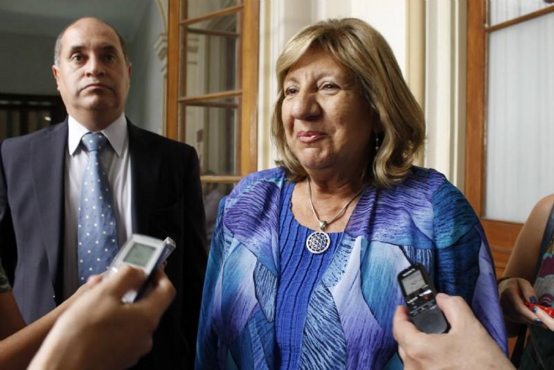 La procuradora presentó su renuncia ante la gobernadora y se prepara Conte Grand para reemplazarla
