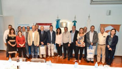 La ministra de Salud se reunión con siete intendentes bonaerenses que son médicos