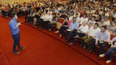 Nardini recibió la primera convención de profesionales y dirigentes en Malvinas Argentinas