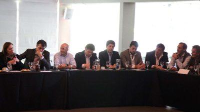 Garro junto a Vidal en la presentación de la JPro