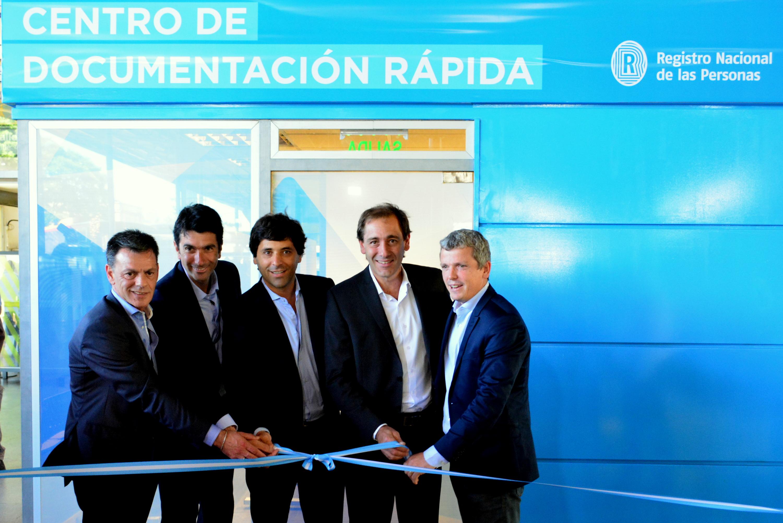 La Plata / García De Luca y Garro inauguraron un Centro de Documentación en la terminal