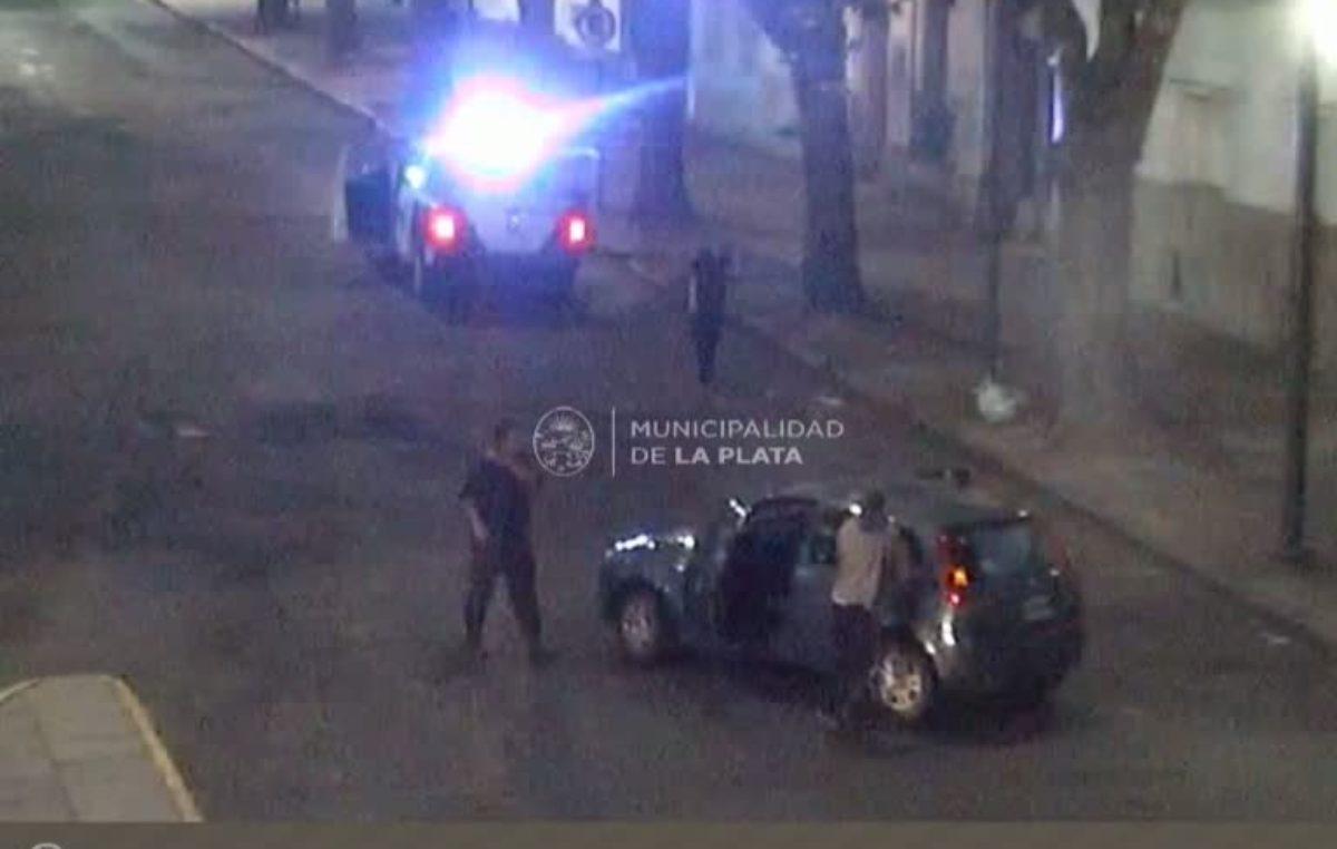 La Plata / Detienen adolescentes robando un automóvil, por las cámaras de seguridad municipal