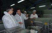 S. Andrés de Giles / Puglelli visitó la moderna planta Avícola ubicada en Villa Espil