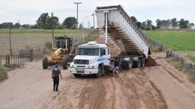 Pellegrini / Empezaron a asfaltar el acceso a De Bary