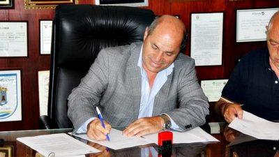 Ensenada / Secco anunció un bono de 7.500 pesos para los municipales