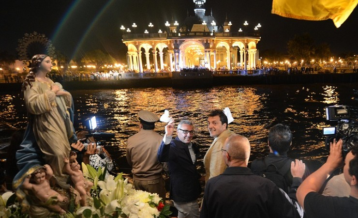 """Massa pidió que la Virgen """"nos ilumine"""" para abandonar el camino de la división"""