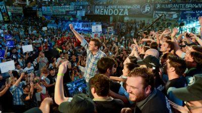 """Massa lanzó su nueva juventud nacional: """"La Renovadora"""""""