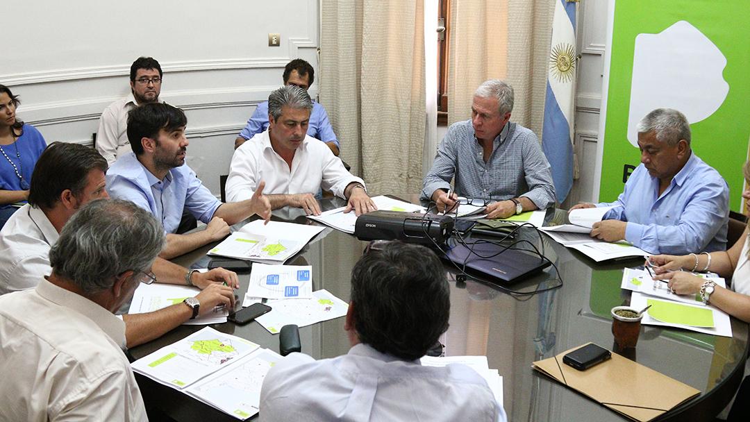 Echarren reunió a intendentes de la segunda para proyectar un programa de Hábitat provincial