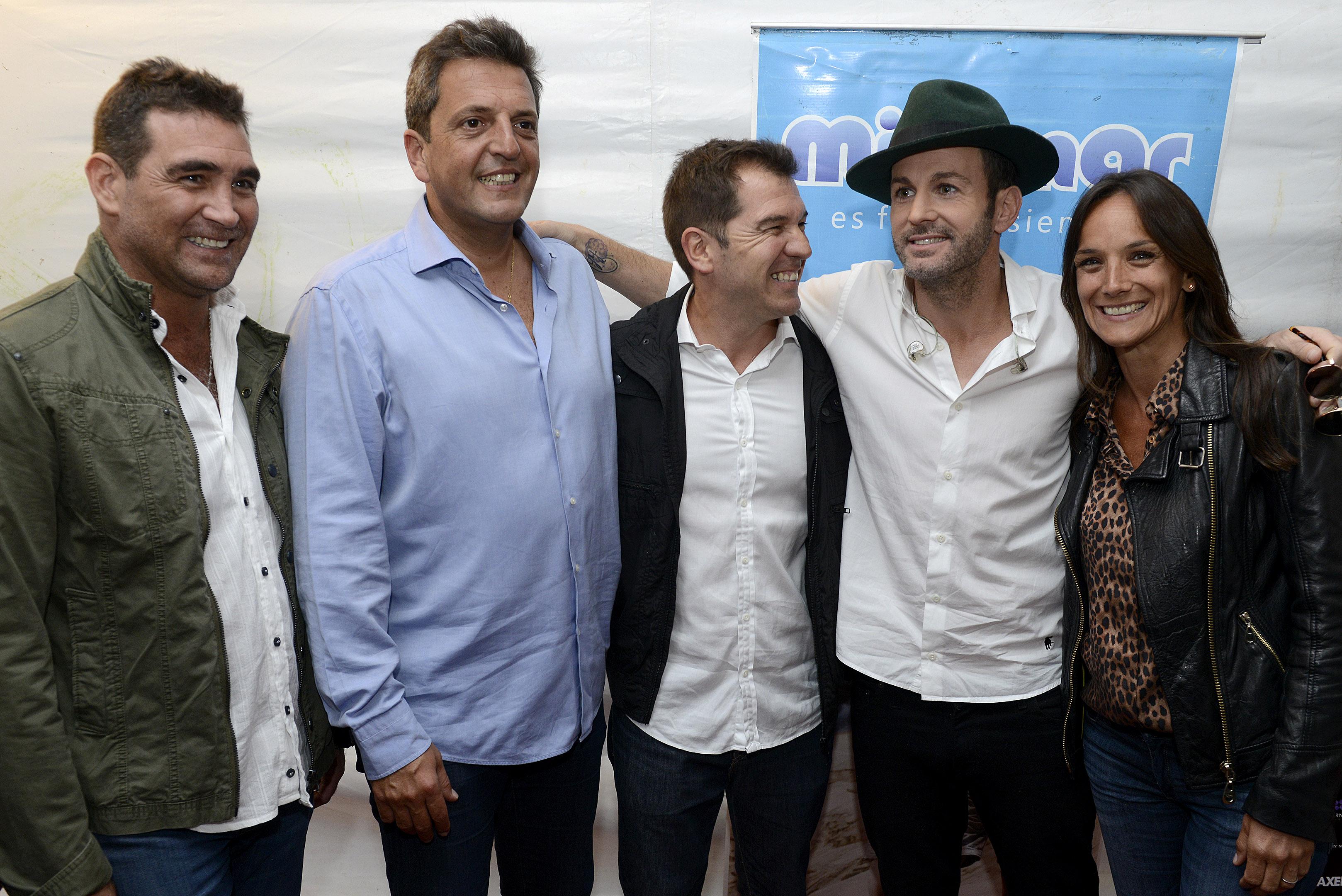 """Massa y Malena asistieron a un recital de Axel en Miramar y lanzó """"Argentina debe pensar como saca a los chicos de la droga"""""""