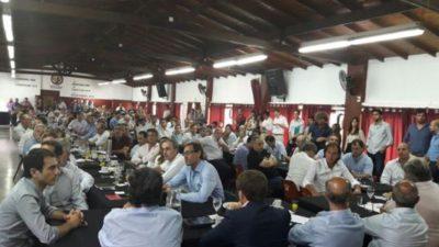 """En Lanús el equipo de provincia de Cambiemos se reunió para """"descular"""" el camino hacia su primera elección como gobierno"""