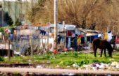 Promulgaron la ley que suspende desalojos en villas y asentamiento de la Provincia