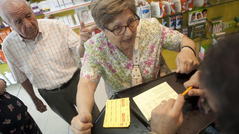 Farmacéuticos culpan a PAMI por la falta de medicamentos oncológicos para jubilados