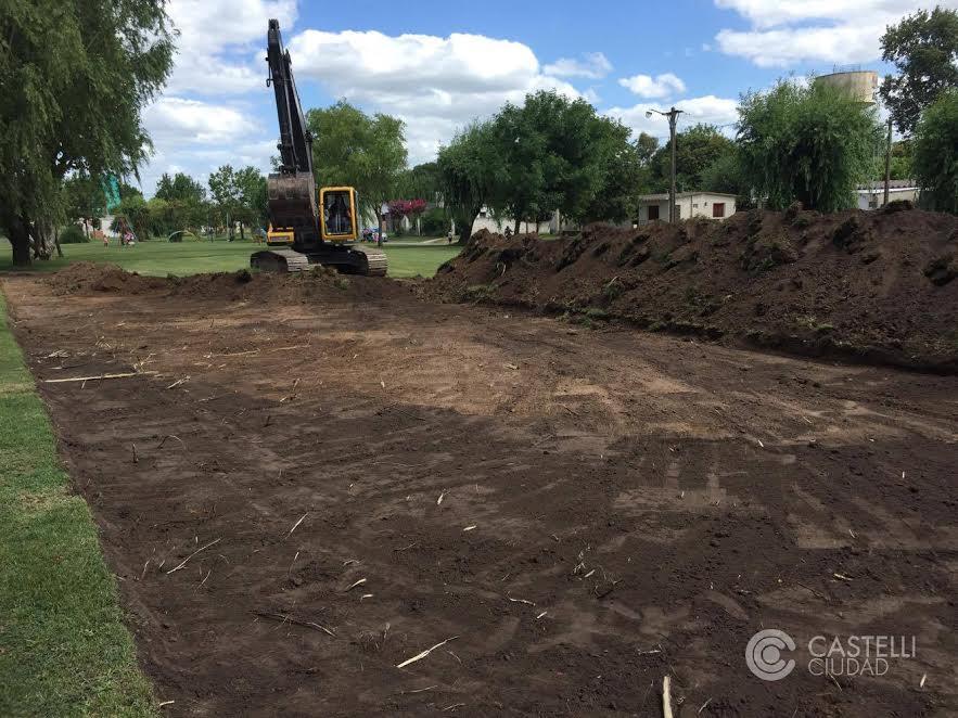 Castelli / La Municipalidad empezó a construir un nuevo playón deportivo