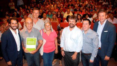 Malvinas Argentinas / Más de 100 familias recibieron su escritura social