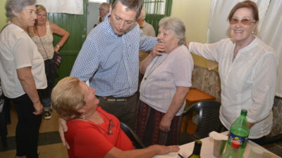 E. Echeverría / Gray visitó centro de jubilados y pensionados en Luis Guillón
