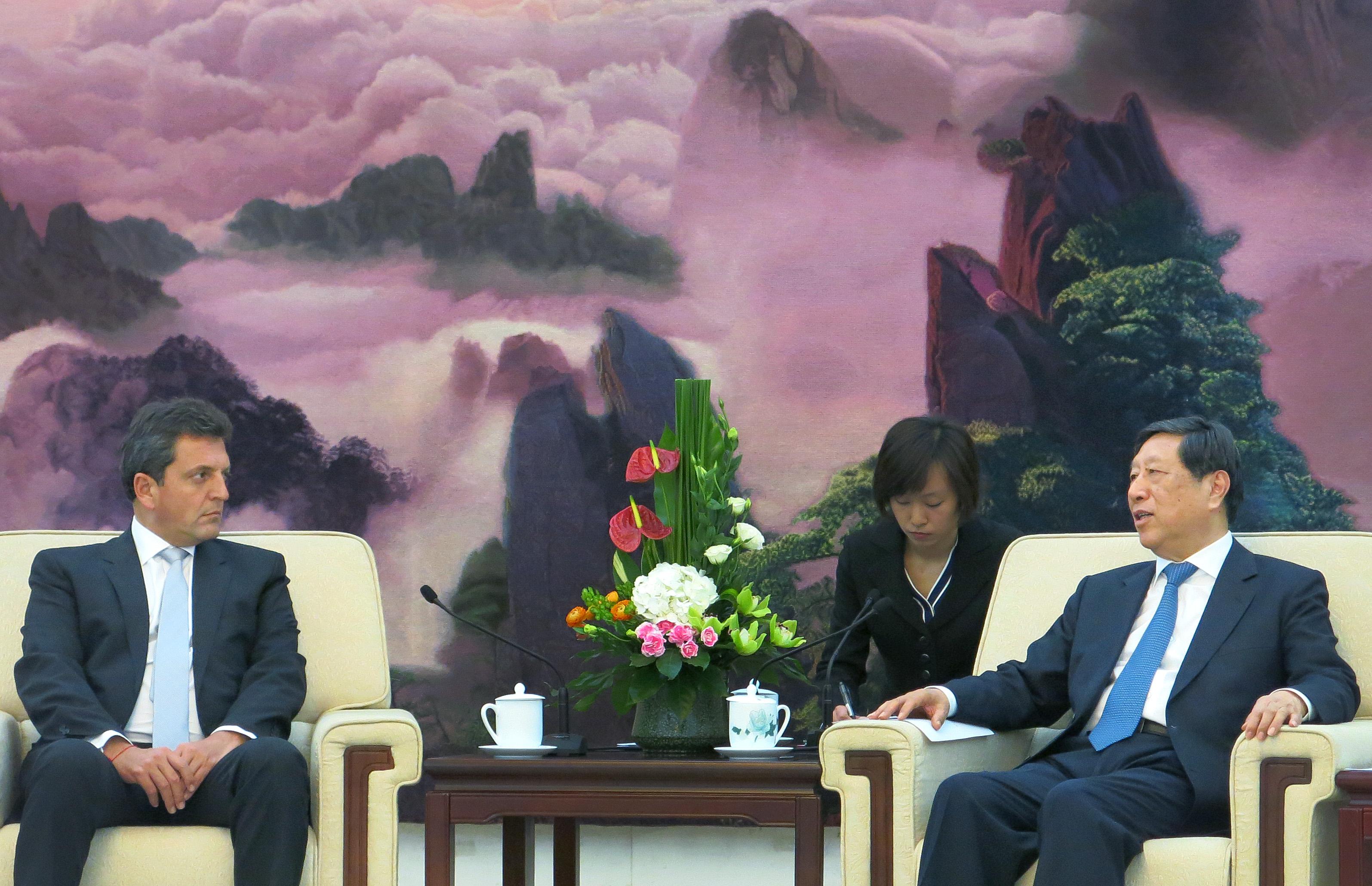 Massa desde China pidió generar condiciones para fortalecer la industria nacional