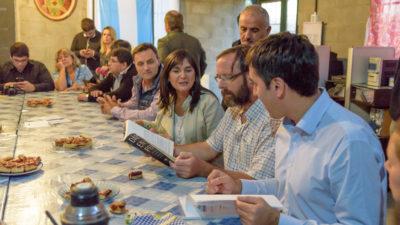 """Mosca y legisladores visitaron al Padre """"Pancho"""" Velo en Merlo"""
