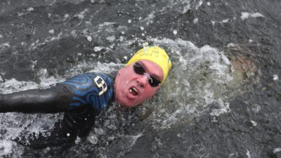 D´Ottavio, el nadador pergaminense que desafió las aguas del atlántico y se subió al podio en las I. Malvinas