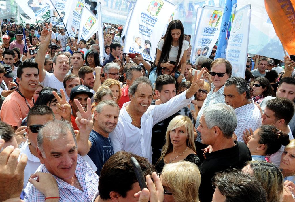 CABA.07/03/2017- Daniel Scioli participó hoy de la columna del PJ bonaerense que acompañó la movilización popular convocada por la Confederación General del Trabajo.