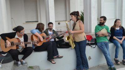 Pringles / La Escuela de Música se presentó en una clase pública