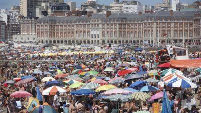"""A pesar que Macri sacó los feriados puentes,  el fin de semana largo de carnaval """"fue el mejor"""" de todo el verano en Mar del Plata"""