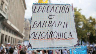 """#MarchaFederalEducativa """"Somos 400 mil trabajadores que le decimos a Macri que nos negamos  al atropello"""""""