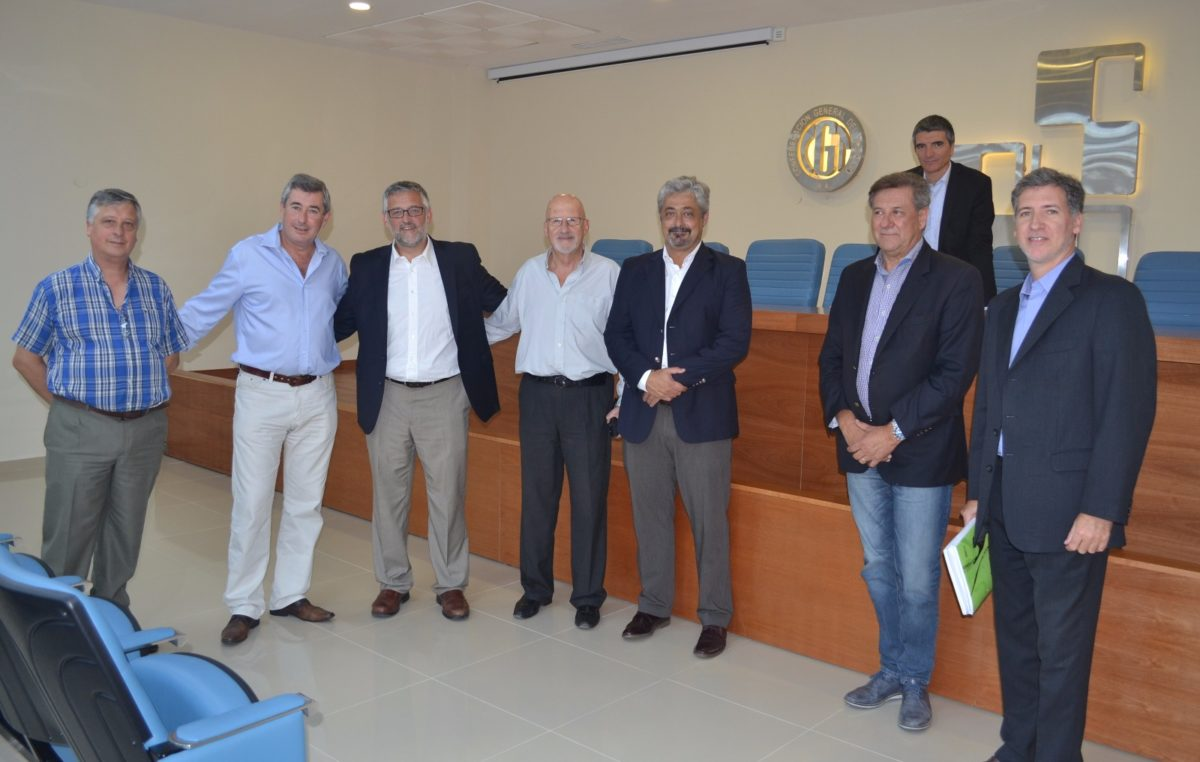 """Estatales se reunieron con Villegas para analizar pases a planta y un """"plus por productividad"""""""