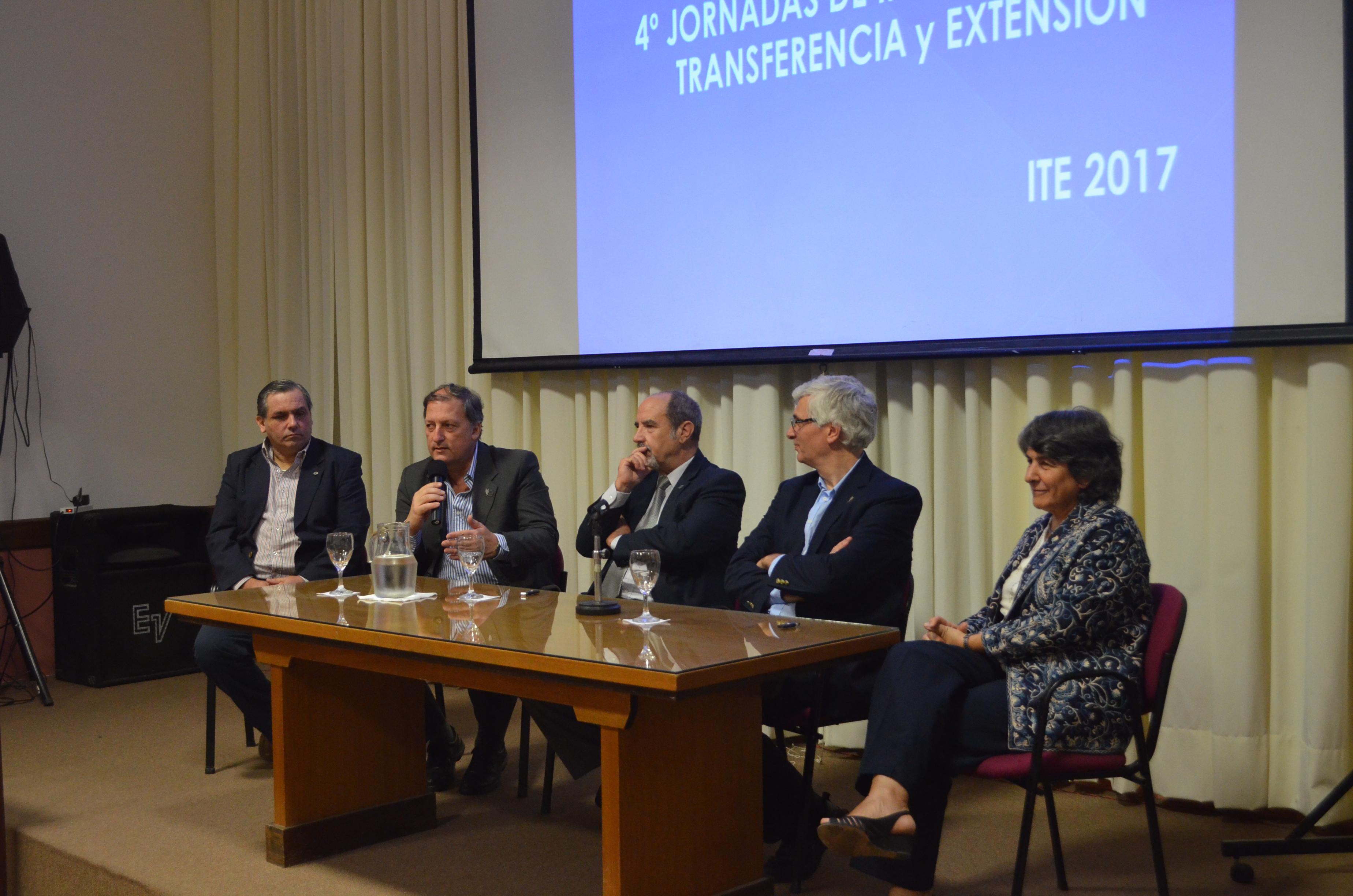 UNLP / Ingeniería inauguró sus cuartas jornadas de investigación, transferencia y extensión