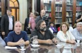 Gremios docentes rechazaron la propuesta integral por tres años que les ofreció Vidal