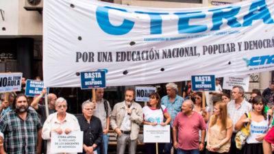 Encuentro de dirigentes gremiales de la Internacional de la Educación en CABA