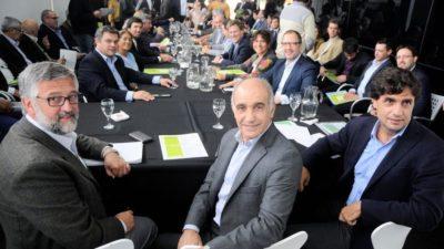 Cláusula gatillo en mano, ministros bonaerenses se reunieron con gremios estatales en Mar del Plata