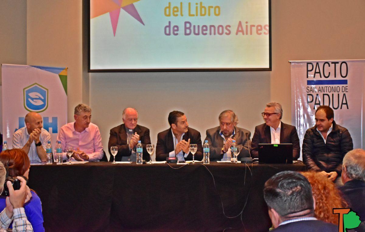 """Menéndez disertó en la Feria del Libro sobre """"Laudato SI"""" y el mensaje que propone el Papa Francisco"""