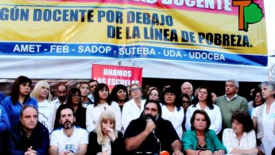 Los docentes inauguraron una Carpa Blanca en La Plata y lanzaron duras críticas contra Vidal