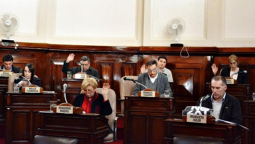 La Plata / El Concejo aprobó duplicar las multas por obstruir las rampas para discapacitados