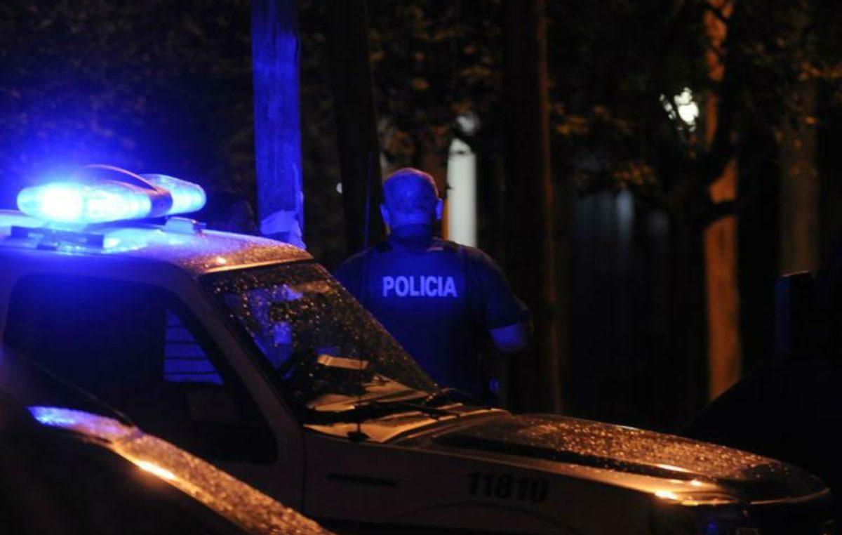 Gral Madariaga: Golpeó a un policía con un adoquín y quedó detenido por intento de homicidio