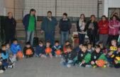 Berisso / Nedela entregó materiales deportivos al Club El Carmen