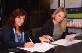 Ortiz y Gonzalez firman un convenio que huele a foto de campaña