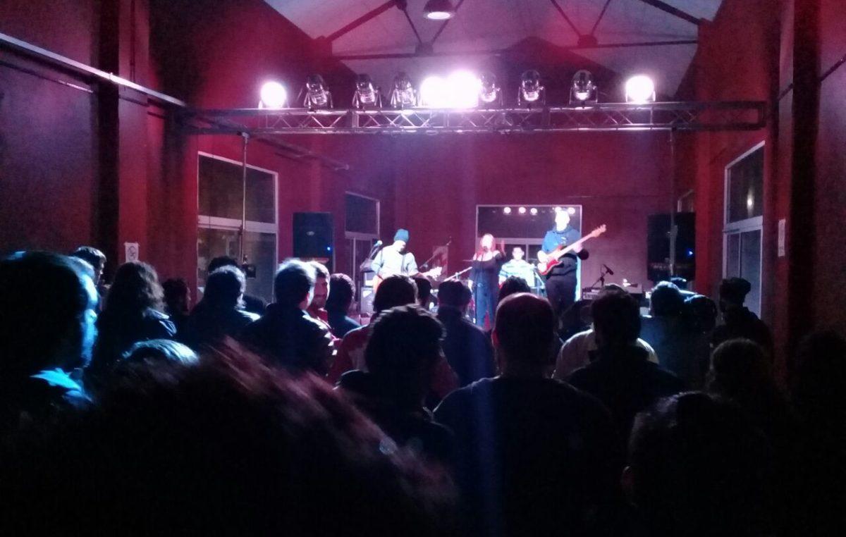 """Mercedes / Inició con gran repercusión el ciclo """"Rock en el Galpón"""" para que las bandas locales se luzcan"""