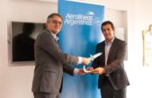 IPS y Aerolíneas Argentinas firmaron convenio que brindará importantes descuentos a jubilados en vuelos